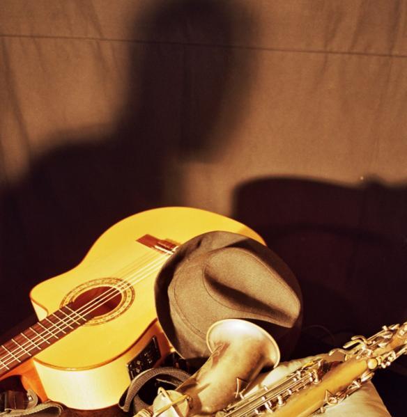 Ivan Durban en la sombra. Bodegón para el álbum
