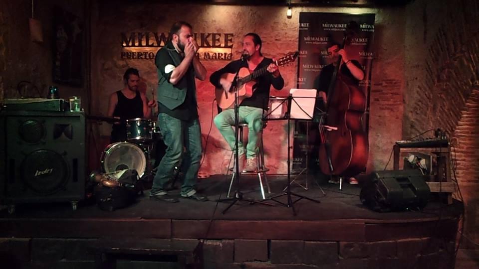 Durban Trio: Carles Magret (batería) Paco López (contrabajo) e Ivan Durban + Luis Manuel Ruiz en la Sala Milwaukee, Puerto de Sta. María.